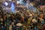 태국 반정부 시위서 물대포 동원... 총리 퇴진·군주 개혁 촉구