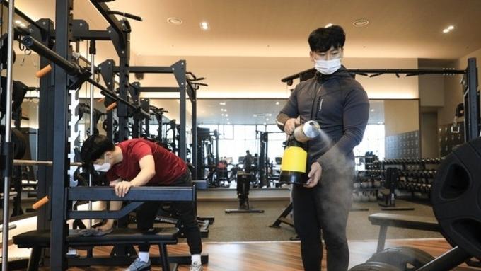 헬스장·학원 등 과밀집 우려 8㎡당 1명 인원제한 강화