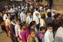 인도, 3번째로 백신 주사횟수 1억회 넘어서…하루확진자는 15만명