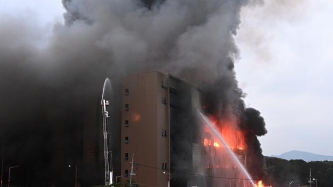 쿠팡 이천 물류센터 고립 소방관 구조 중단...건물 붕괴 위험(종합2보)