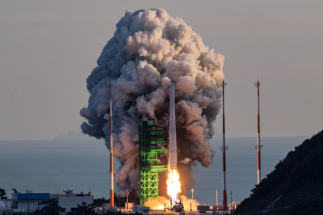 '누리호' 발사 성공...궤도분석 중